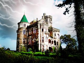 Castelo assombrado em dia assustador