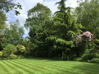Well Kept Countryside Garden