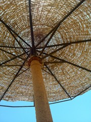 Parasol van onderen
