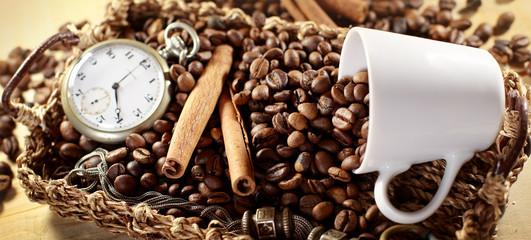 Caffè in chicchi con cannella