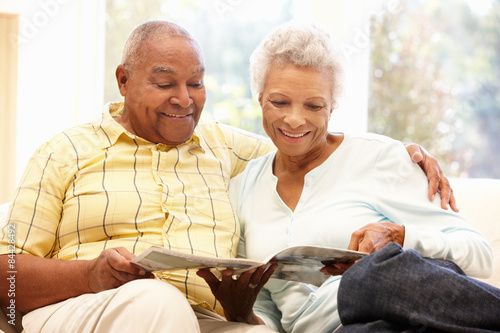 Poster Senior African American couple reading