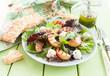 Leinwanddruck Bild - Frischer Salat mit gegrillten Pfirsichen