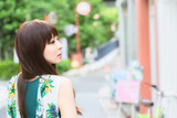 """振り返る女の子 43133038,woman on blue background"""""""