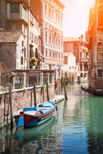 gondola-na-kanale-w-wenecja-wlochy