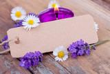 Fototapety Lavendel, Kerze und leeres Schild für eigenen Text