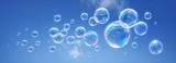 Fototapety Seifenblasen vor blauem Himmel 2