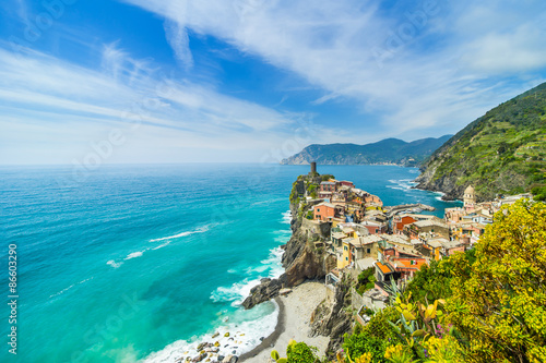 Fototapety, obrazy : Old town on the rocks Liguria Italy