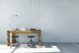 Schreibtisch vor Wand aus Beton - 86656066