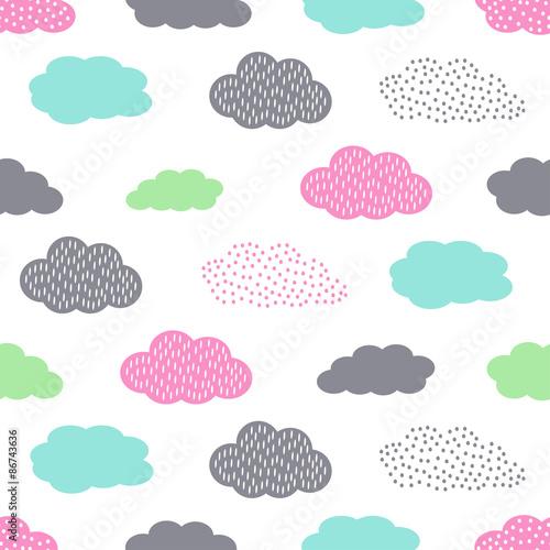 Stoffe zum Nähen Bunte Musterdesign mit Wolken für Kinderurlaub. Niedliche Baby-Dusche-Vektor-Hintergrund. Kind Zeichnung Stil Illustration.