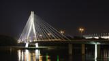Fototapeta Fototapety mosty linowy / wiszący - Most Świętokrzyski nocą. © worksite