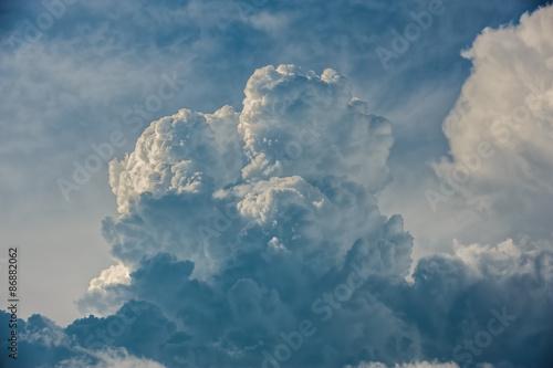 Dramatic cloudscape - 86882062