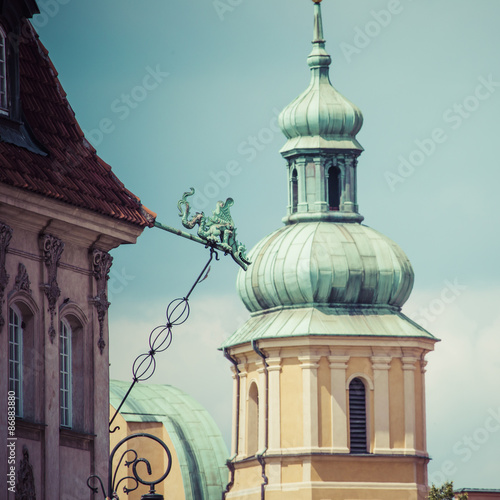 Old town in Warsaw, Poland. The Royal Castle and Sigismund's Col - 86883880