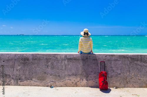 Foto op Plexiglas Lavendel 沖縄旅行をする女性