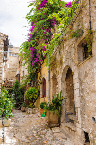 Close view of the house in Saint Paul de Vence, medieval town in France © siempreverde22