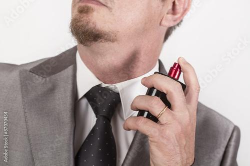 Poster, Tablou Hombre con perfume
