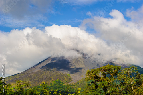 Fotobehang Centraal-Amerika Landen Clouds over the volcanic mountain in Costa Rica