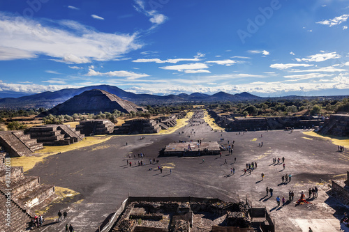 Avenue of Dead, Teotihuacan, Mexico © Bill Perry