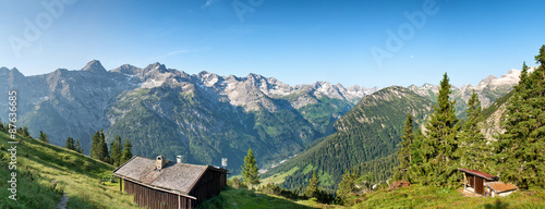 sceniczna-wysokogorska-panorama-blisko-hochvogel-niemcy