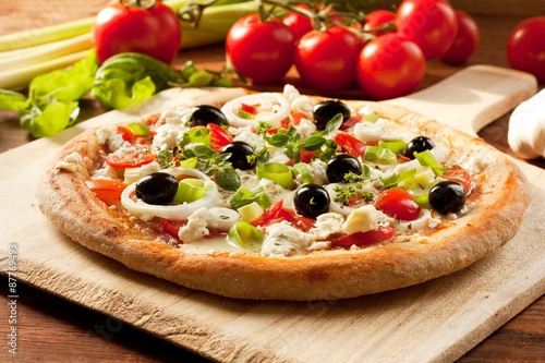 Fotobehang Pizzeria Greek Style Pizza / Fresh Homemade Vegetarian Pizza