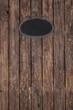 Alter Holz Hintergrund mit einer schwarzen Blech Tafel
