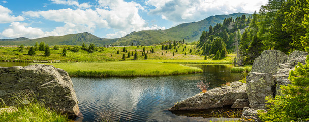 Idyllic summer landscape © Grafvision