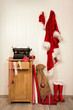 Постер, плакат: Bestellung und Lieferung von Weihnachtsgeschenken bei Santa Claus oder Nikolaus Deko in rot wei