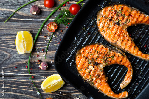 Fototapeta Grilled steaks salmon