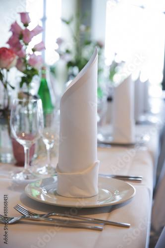 Papiers peints Table preparee festlich gedeckter Tisch bei einer Hochzeitsfeier