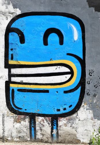 blue picture-graffiti-beasain © livcool