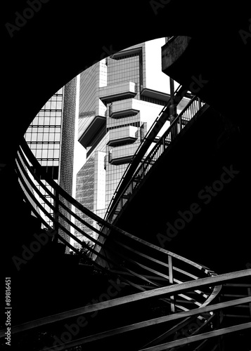 Modern architecture in black and white © YiuCheung