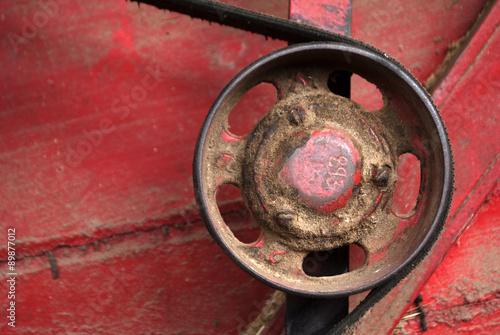 detalle de maquinaria agricola antigua