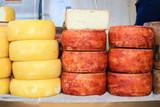 forme di formaggio toscano
