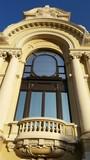 Fenêtre avec une architecture typique de Monaco poster