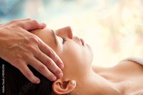 Leinwanddruck Bild Woman having facial massage.