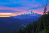 Beautiful Vista of Mount Hood in Oregon, USA - 90509219