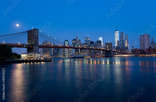 Poster Skyline of Manhattan in New York at Night