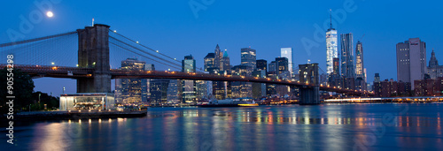 Poster Waterfront and Skyline of New York City at Night