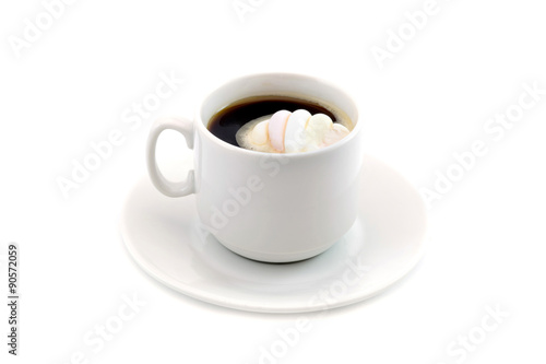 Foto op Canvas Koffie cup of coffee with marshmallows isolated on white background