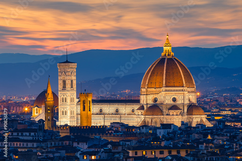 Zdjęcia na płótnie, fototapety na wymiar, obrazy na ścianę : Twilight at Duomo Florence in Florence, Italy