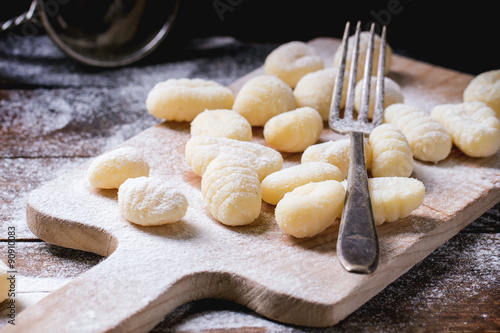 Poster Uncooked potato gnocchi