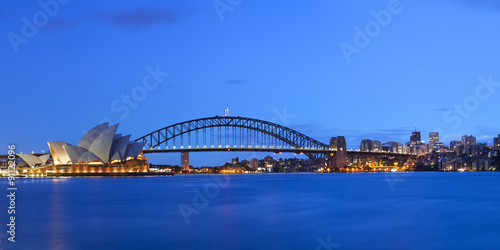 Poster Harbour Bridge and Sydney skyline, Australia at dawn