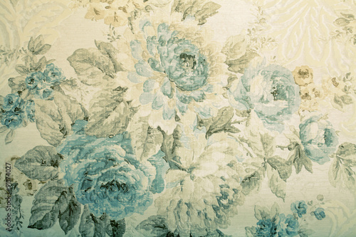 Vintage wallpaper with blue floral victorian pattern © Inna Felker
