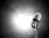 mikrofon na černé a bílé