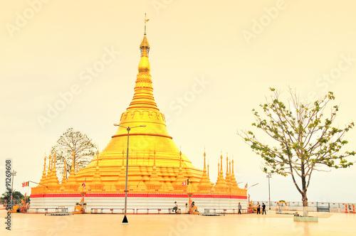 Tachileik Myanmar  city photo : Tachileik Shwedagon Pagoda, Myanmar