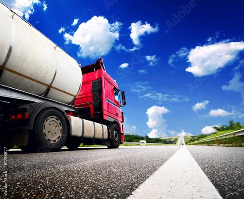 obraz PCV Semi Truck In Motion. Speeding Truck on the Highway