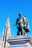 Rubens-Statue vor der Liebfrauenkirche in Antwerpen, Belgien