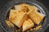 葛餅  Dessert of kudzu starch cake Japan poster