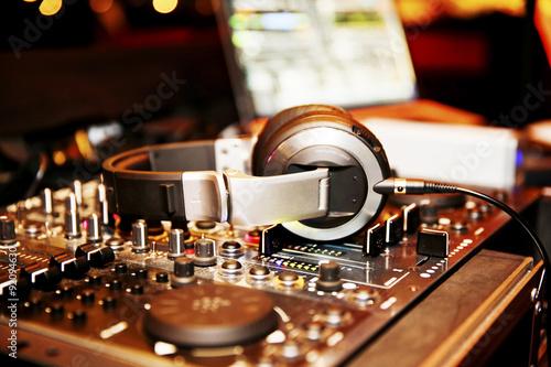 Poster Mischpult eines DJ, DJ-Pult