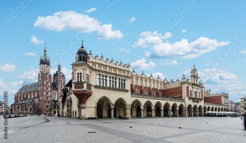 Fototapeta Saint Mary Basilica and Main Square in Krakow.