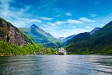 Fototapety cruise ship in norway fjiord